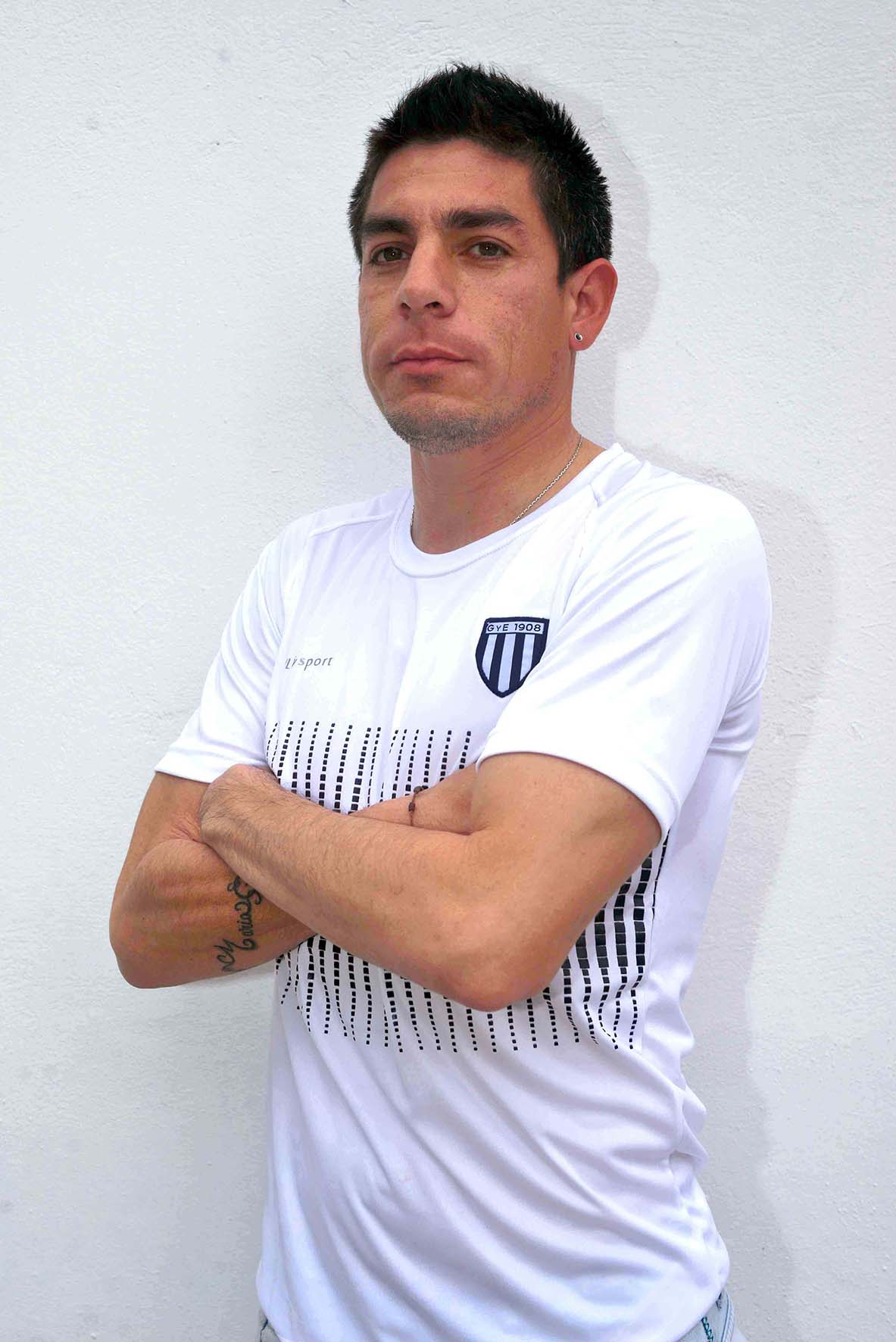 Adrián Ramiro Vélez